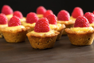 Bite-Sized Lemon-Raspberry Cups